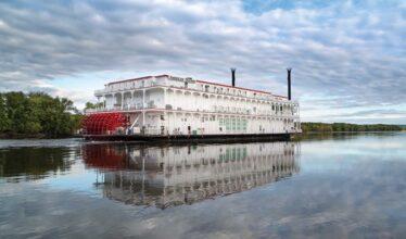 Riverboat on the Mississippi River